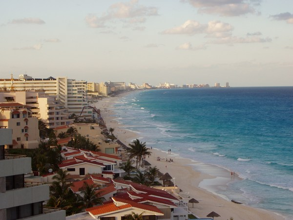 ../images/Cancun-beach.jpg